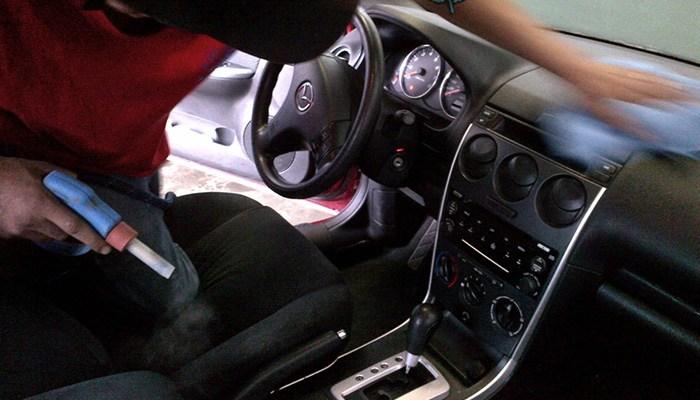Coupon rabais partir de 29 pour un nettoyage complet de votre voiture chez shampoing expert - Shampoing lustrant voiture ...